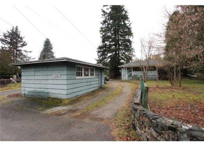 21952 Lougheed Highway, Maple Ridge
