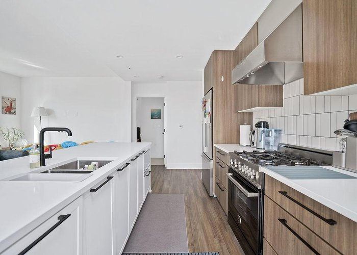 406 6933 Cambie Street, Vancouver