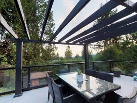 727 Crystal Court, North Vancouver