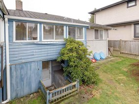 5709 Booth Avenue, Burnaby