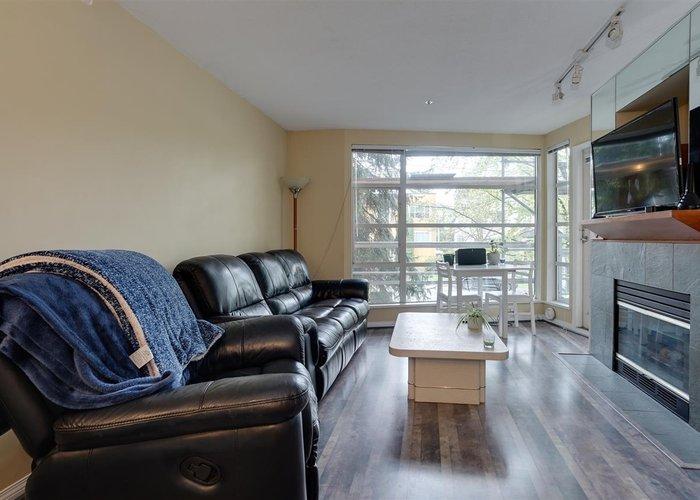 207 2525 W 4th Avenue, Vancouver