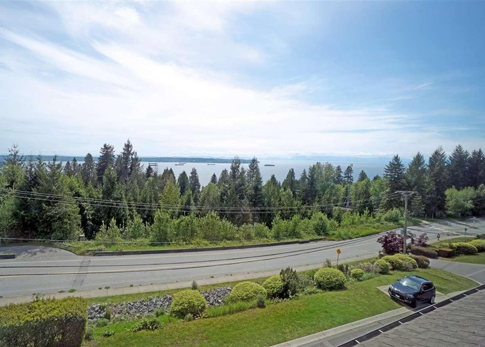 13 2555 Skilift Road, West Vancouver