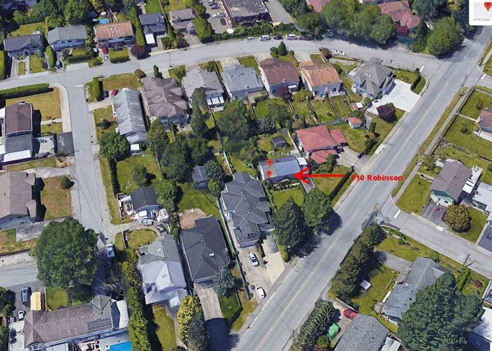 910 Robinson Street, Coquitlam