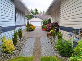 32 5550 Langley Bypass, Langley