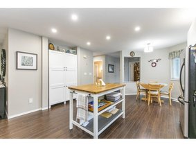 28 5550 Langley Bypass, Langley