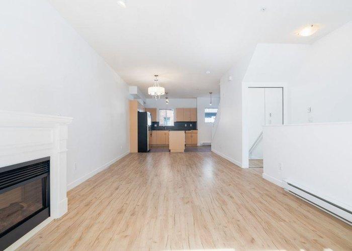 206 1661 Fraser Avenue, Port Coquitlam