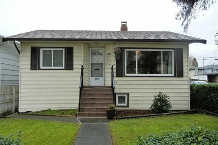 R2125842 - 2597 E BROADWAY, Renfrew VE, Vancouver, BC - House/Single Family