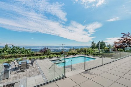 R2156052 - 1020 EYREMOUNT DRIVE, British Properties, West Vancouver, BC - House/Single Family