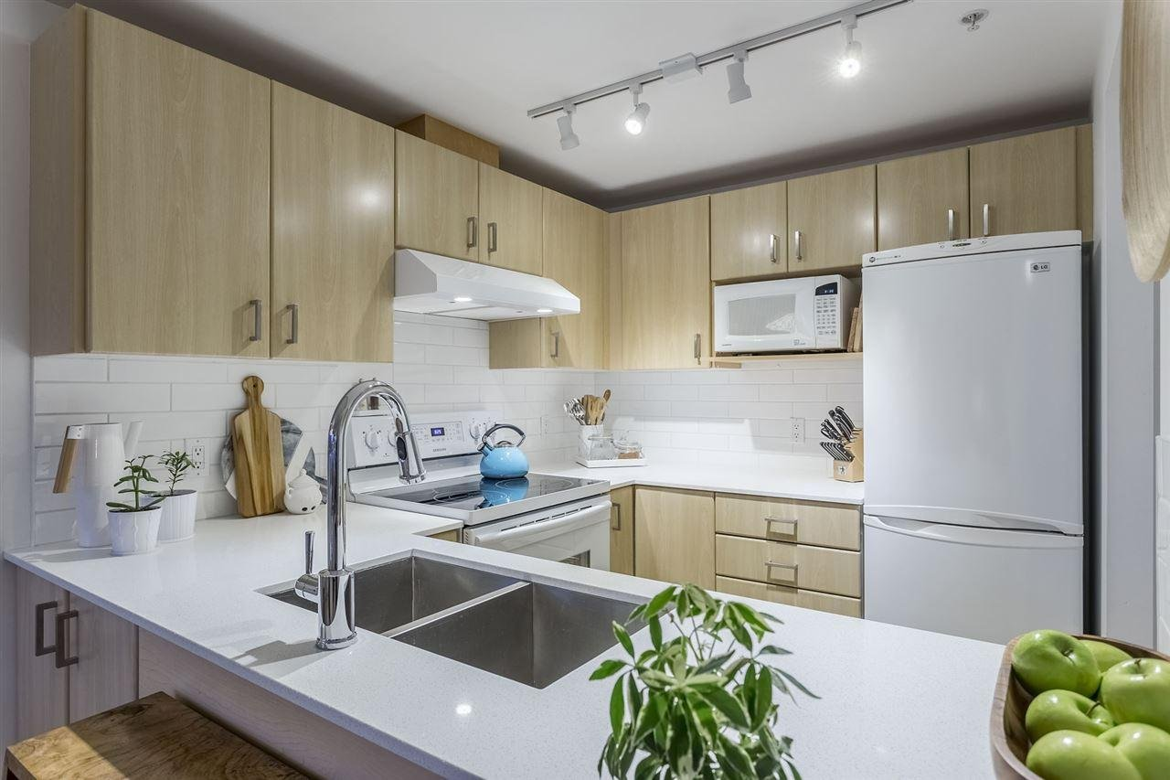 R2168645 - 1104 121 W 15TH STREET, Central Lonsdale, North Vancouver, BC - Apartment Unit