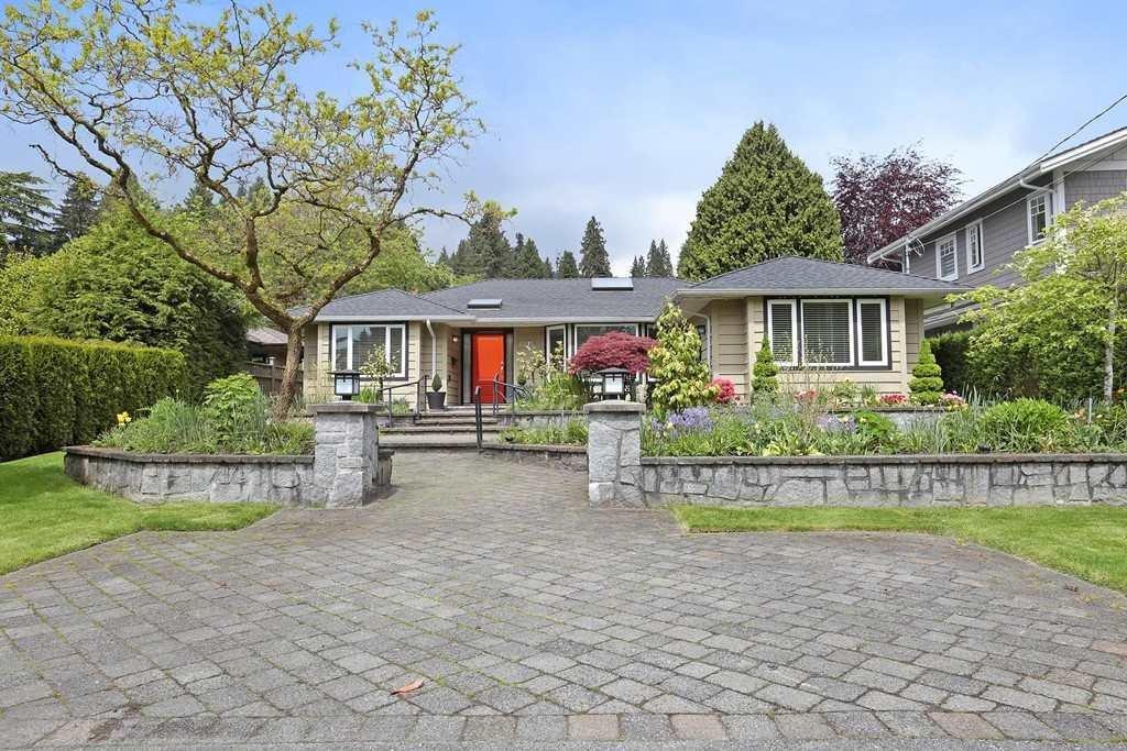 R2168792 - 1375 KINGS AVENUE, Ambleside, West Vancouver, BC - House/Single Family