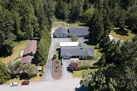 R2182705 - 10740 TILBURY PLACE, Fraser Heights, Surrey, BC - House with Acreage