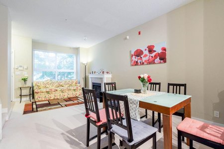 R2189657 - 5 3298 E 54TH AVENUE, Champlain Heights, Vancouver, BC - Townhouse