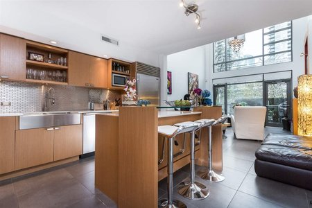 R2193051 - 104 1168 RICHARDS STREET, Yaletown, Vancouver, BC - Townhouse