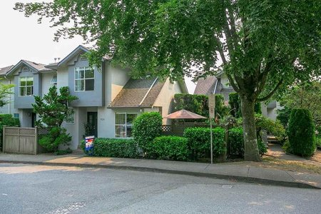 R2193133 - 4 920 TOBRUCK AVENUE, Hamilton, North Vancouver, BC - Townhouse