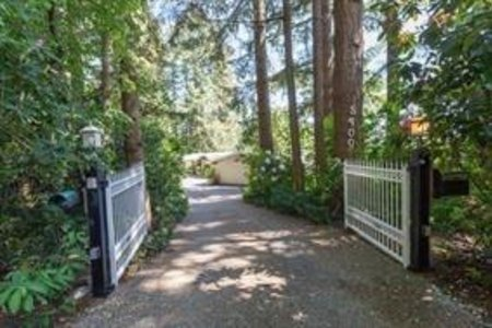 R2194421 - 5400 148 STREET, Sullivan Station, Surrey, BC - House with Acreage