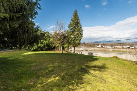 R2197894 - 10267 176 STREET, Fraser Heights, Surrey, BC - House with Acreage