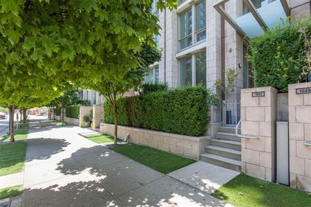 R2198101 - 1051 RICHARDS STREET, Downtown VW, Vancouver, BC - Townhouse