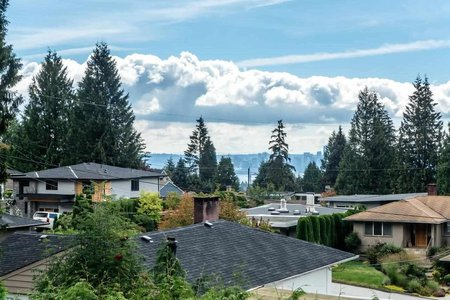 R2198782 - 739 CRYSTAL COURT, Canyon Heights NV, North Vancouver, BC - House/Single Family