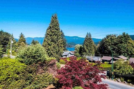 R2204019 - 301 N DOLLARTON HIGHWAY, Dollarton, North Vancouver, BC - House/Single Family