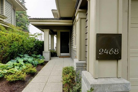 R2204269 - 2468 SHADBOLT LANE, Panorama Village, West Vancouver, BC - Townhouse
