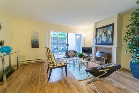R2205828 - 3172 MOUNTAIN HIGHWAY, Lynn Valley, North Vancouver, BC - Townhouse