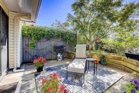 R2206257 - 5 2150 SE MARINE DRIVE, Fraserview VE, Vancouver, BC - Townhouse