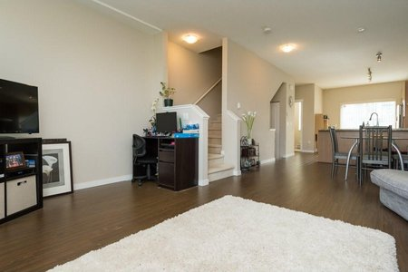 R2208853 - 26 9566 TOMICKI AVENUE, West Cambie, Richmond, BC - Townhouse