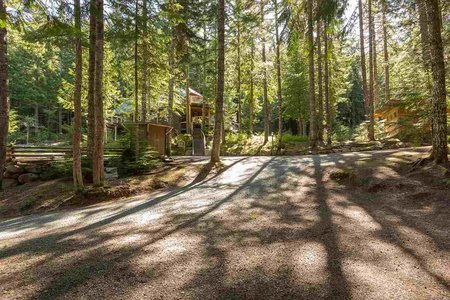 R2210772 - 2004 NORDIC PLACE, Nordic, Whistler, BC - House with Acreage