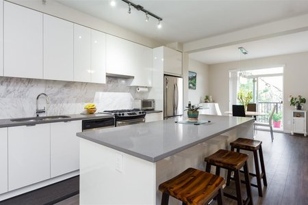 R2211772 - 40 9728 ALEXANDRA ROAD, West Cambie, Richmond, BC - Townhouse