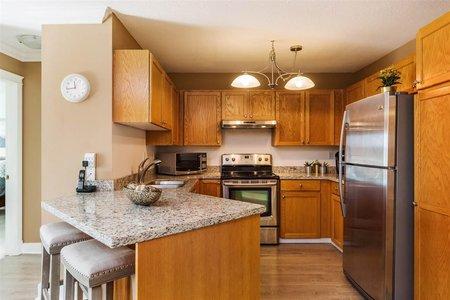 R2211936 - 312 17695 58TH AVENUE, Cloverdale BC, Surrey, BC - Apartment Unit