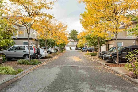 R2213466 - 22 15875 84 AVENUE, Fleetwood Tynehead, Surrey, BC - Townhouse