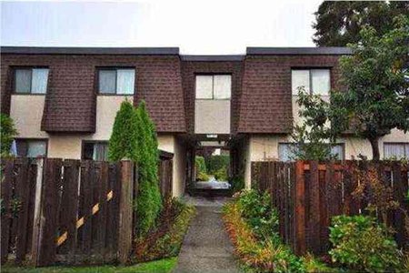 R2214836 - 837 OLD LILLOOET ROAD, Lynnmour, North Vancouver, BC - Townhouse