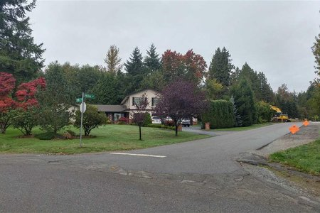 R2219874 - 9843 LYNCEAN DRIVE, Fraser Heights, Surrey, BC - House with Acreage