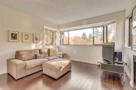 R2221061 - 20 3437 W 4TH AVENUE, Kitsilano, Vancouver, BC - Townhouse