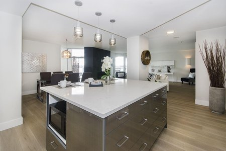R2222647 - 805 168 CHADWICK COURT, Lower Lonsdale, North Vancouver, BC - Apartment Unit