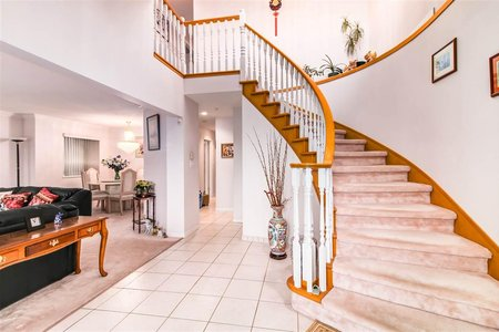 R2222751 - 4698 EARLES STREET, Collingwood VE, Vancouver, BC - House/Single Family