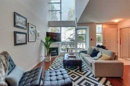 R2224330 - TH2 188 E ESPLANADE STREET, Lower Lonsdale, North Vancouver, BC - Townhouse