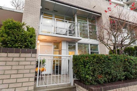 R2225381 - TH1 188 E ESPLANADE STREET, Lower Lonsdale, North Vancouver, BC - Townhouse