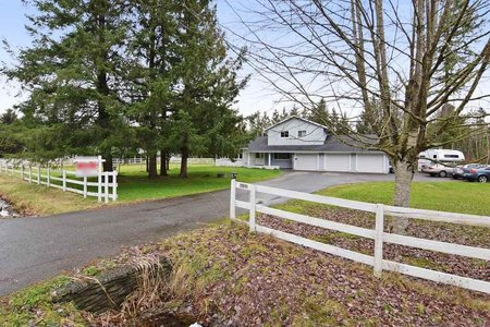 R2232123 - 4631 SADDLEHORN CRESCENT, Salmon River, Langley, BC - House with Acreage