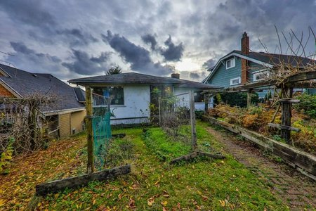 R2235597 - 729 E KEITH ROAD, Queensbury, North Vancouver, BC - House/Single Family