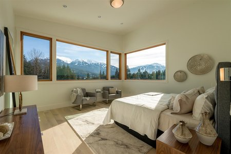 R2241039 - 8476 BEAR PAW TRAIL, Rainbow, Whistler, BC - House/Single Family