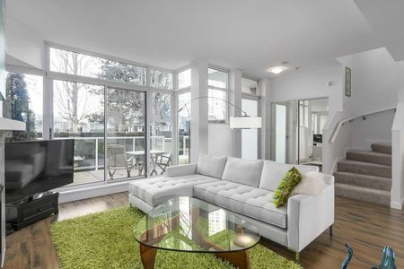R2246939 - 3R 1077 MARINASIDE CRESCENT, Yaletown, Vancouver, BC - Townhouse