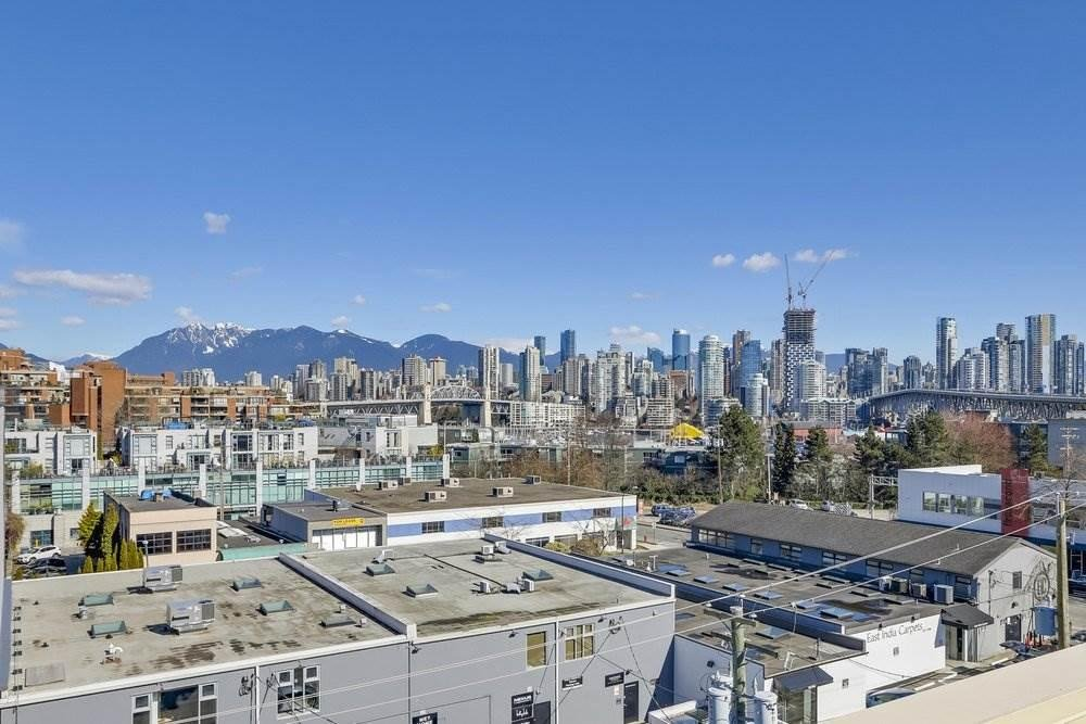 215 1635 W 3RD AVENUE, Vancouver - R2248600