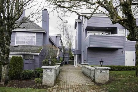 R2249781 - C3 240 W 16TH STREET, Central Lonsdale, North Vancouver, BC - Townhouse