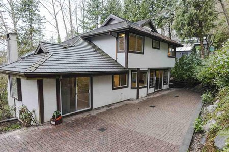 R2253734 - 215 RABBIT LANE, British Properties, West Vancouver, BC - House/Single Family