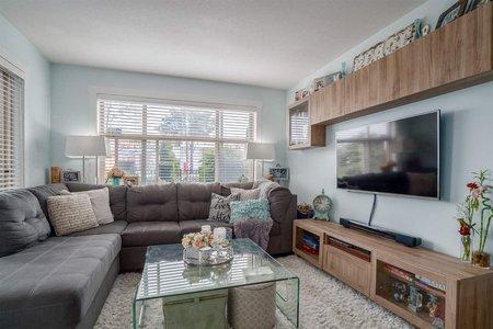 R2255094 - L104 13555 GATEWAY DRIVE, Whalley, Surrey, BC - Apartment Unit