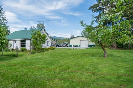 R2267935 - 12576 248 STREET, Websters Corners, Maple Ridge, BC - House with Acreage