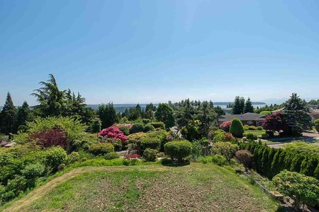 R2270882 - 1231 CHARTWELL DRIVE, Chartwell, West Vancouver, BC - House/Single Family