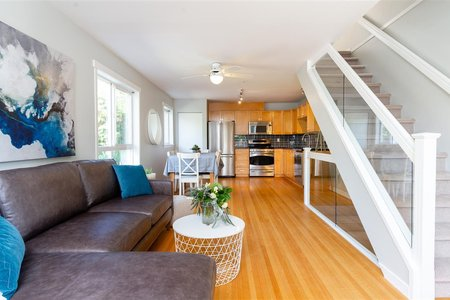 R2272896 - 101 510 CHESTERFIELD AVENUE, Lower Lonsdale, North Vancouver, BC - Townhouse