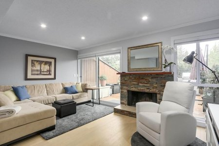 R2278403 - 17 220 E 11TH STREET, Central Lonsdale, North Vancouver, BC - Townhouse